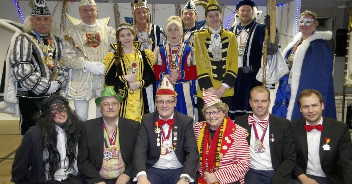 Stolberg Stolberger Tollitäten Traditionell Bei Möbel Kaesmacher