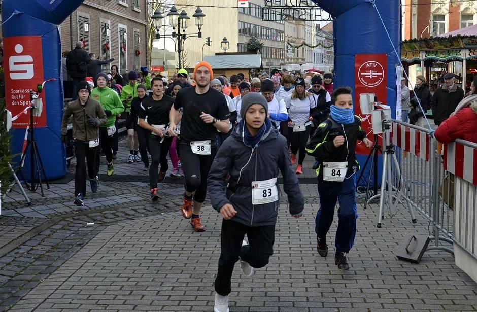 Stolberg: Weihnachtslauf: Leistung und das Glück entscheiden