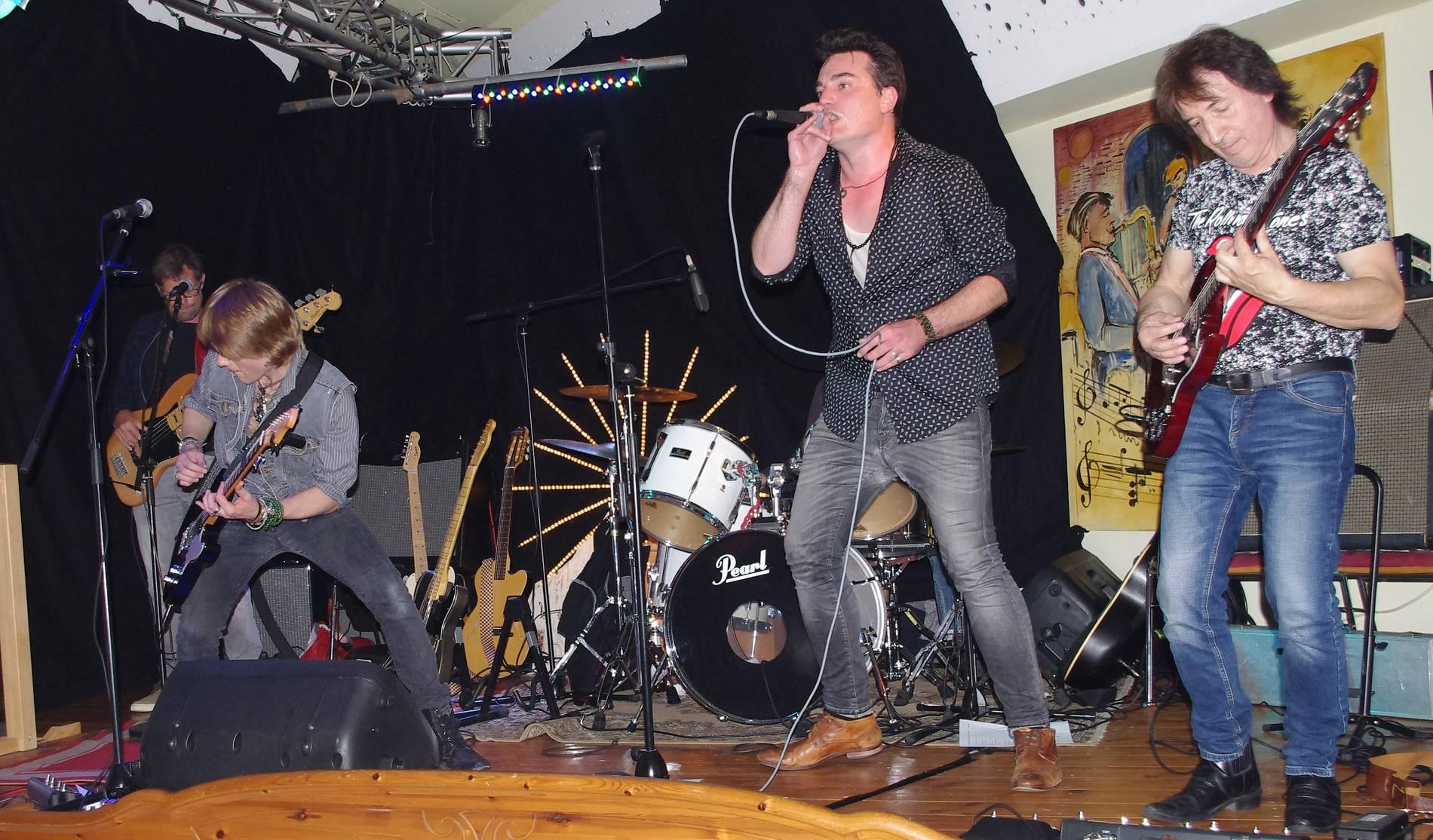 Bildergebnis für fotos von der band charlie im stones club