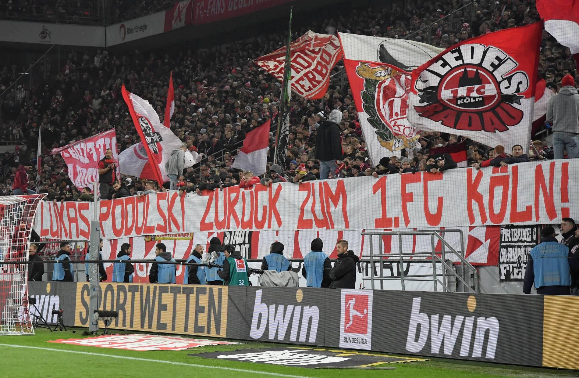 Fussball Die Fans Des 1 Fc Koln Wunschen Sich Lukas